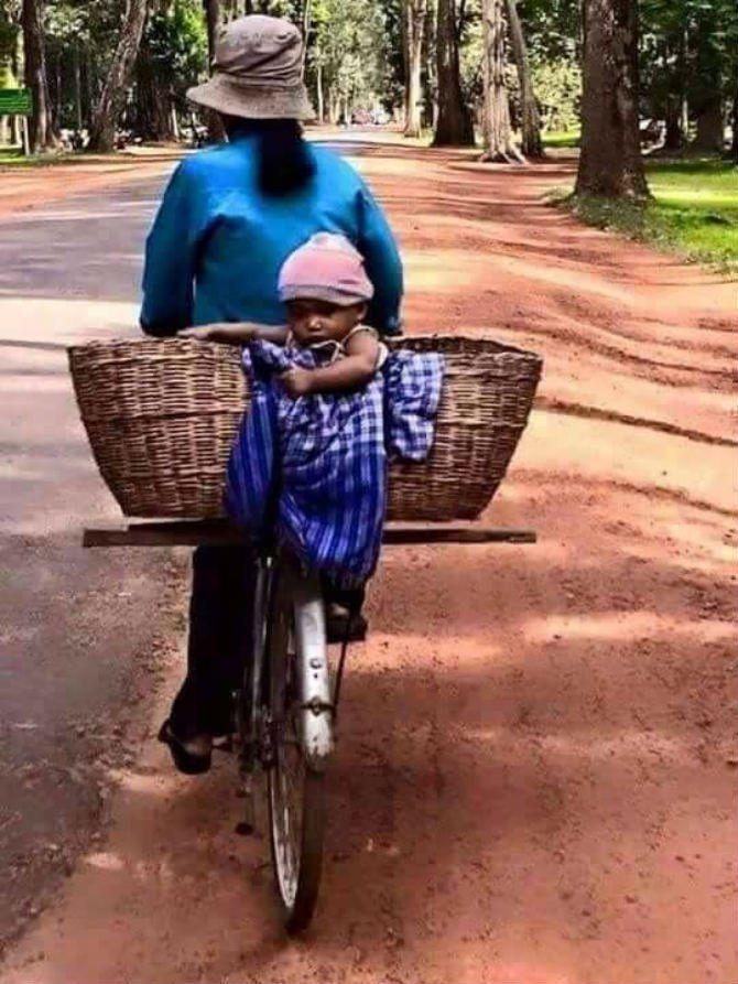 10. Membawa anak kemanapun ia pergi